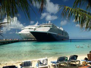 8-15-2013 cruise-ships-at-grand-turk-1106432-m